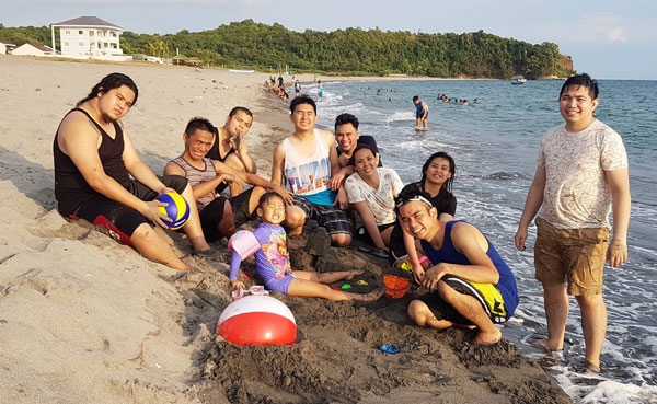 simplus philippines day at the beach